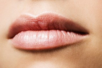 Here's How to Naturally Treat Dark Lips