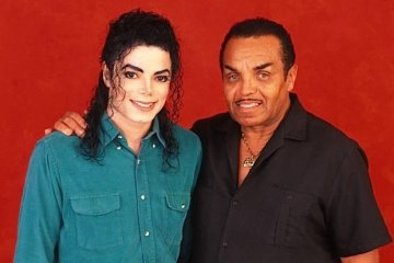 michael jackson and his father joe jackson