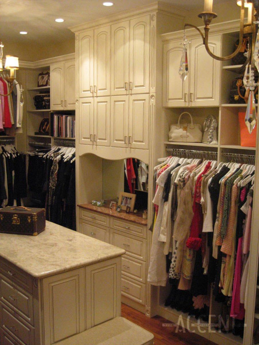 Accent Closets