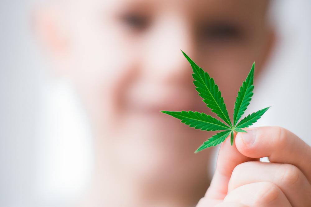 Sólo en Escocia se permite que 10 niños reciban un nuevo medicamento para las convulsiones a base de cannabis