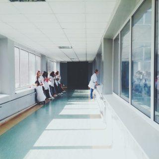 Ampliación de perspectivas y cambio de enfoques convencionales: cómo los grupos de pacientes pueden ayudar a los equipos médicos