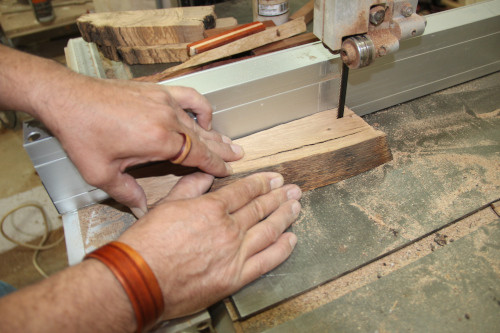 Artesanía Bejarano artesania-bejarano_joyeria-artesanal-madera Joyería artesanal: descubre lo que hay detrás de la fabricación de joyas artesanales. Noticias
