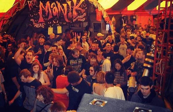 May Day 2002 Dancefloor (18)
