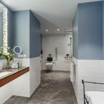 hilton rotterdam accessible room
