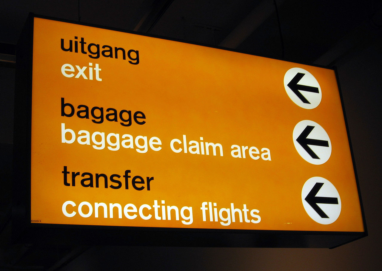 airport signs schiphol