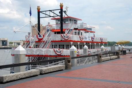 river boat savannah usa