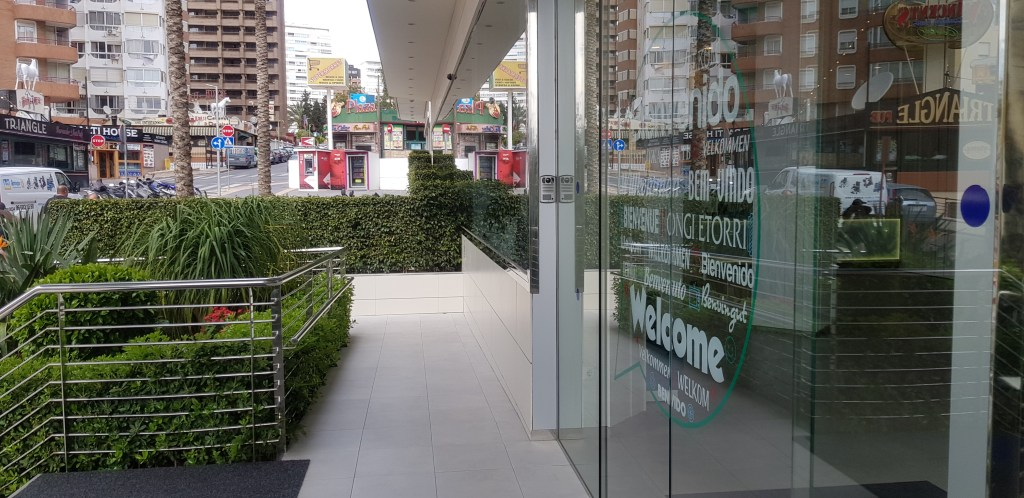 hotel entrance accessibility