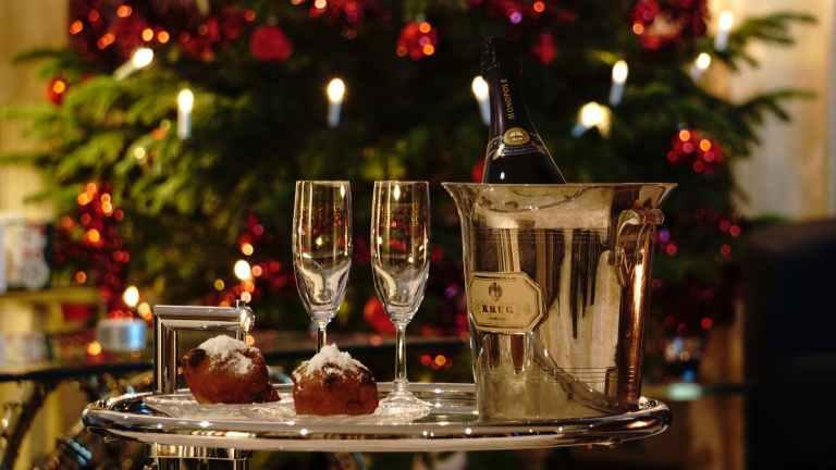 oliebollen champagne the netherlands