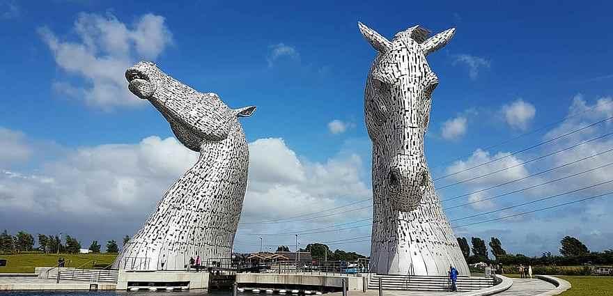 kelpies-scotland-statues-horses