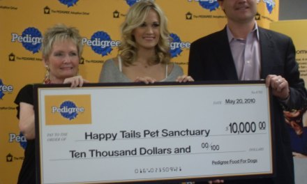 Carrie Underwood Helps Happy Tails