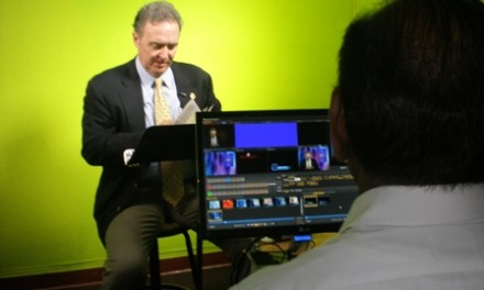 "Congressman Dan Lungren Uses ""Green Studio"" for Reading of Tom Sawyer"