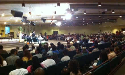 Over 550 Pack South Sac Church in Support of Ceasefire