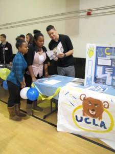 20130320_college_fair_mendoza_c 287