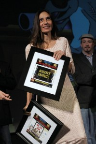 "Writer Donna Preston of ""Win, Lose or Draw"" as the Audience Favorite Winner [Phil Kampel Photography]"