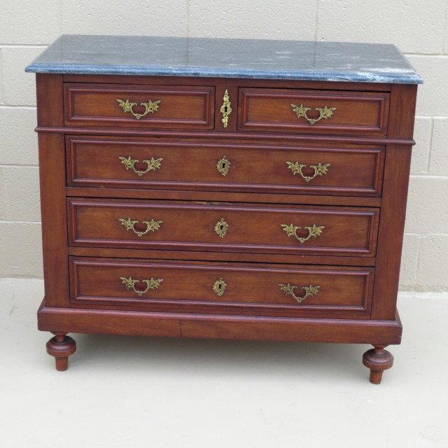 Antique Dressers And Chests