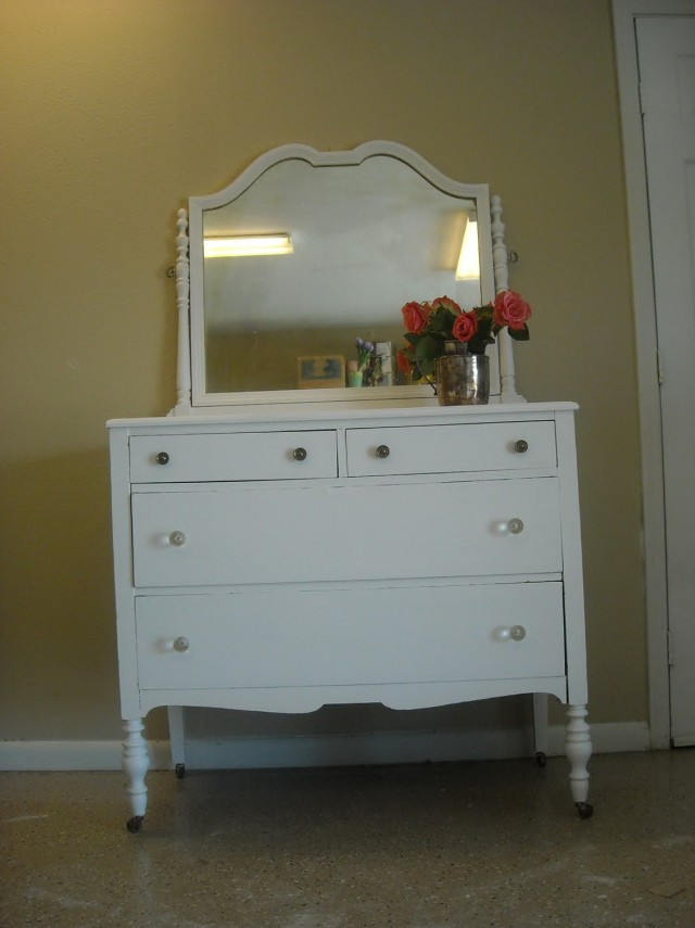 Antique White Dresser With Mirror