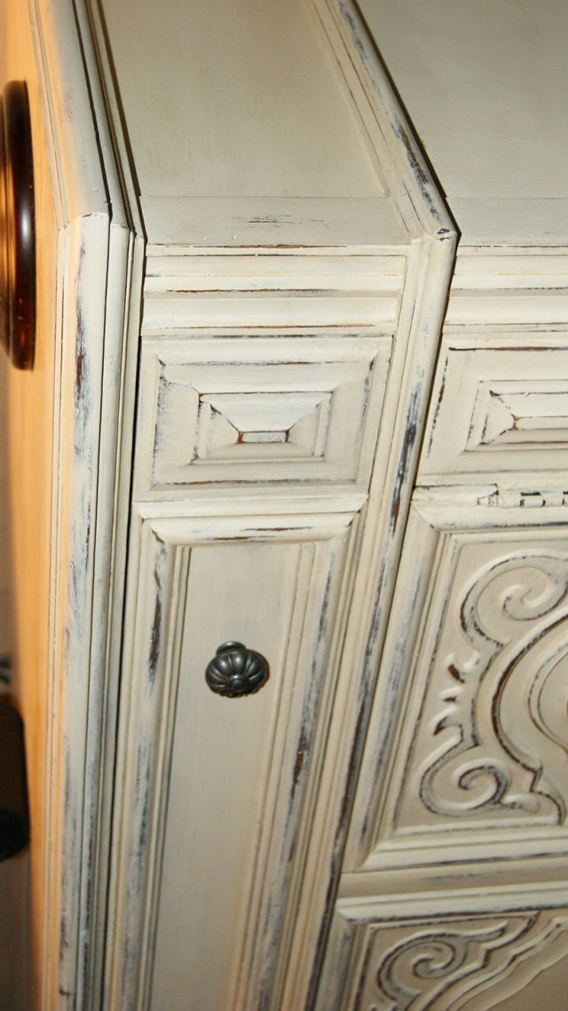Distressed White Dresser Thomasville