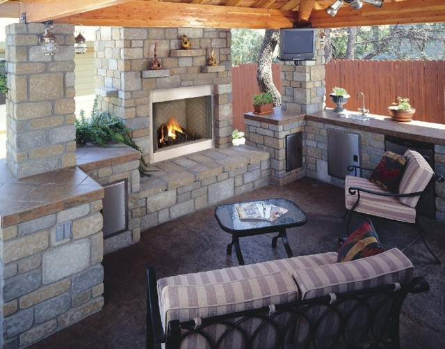 Outdoor Fireplace Designs For Small Spaces