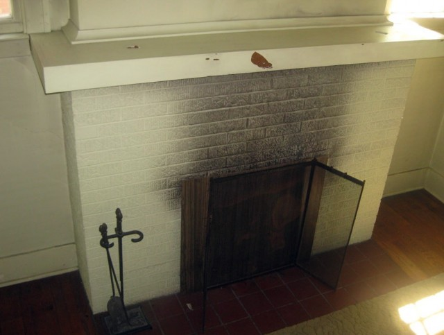 Gas Fireplace Doors Open Or Closed
