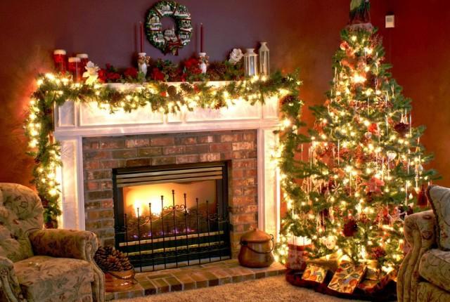 Modern Christmas Fireplace Decoration Ideas