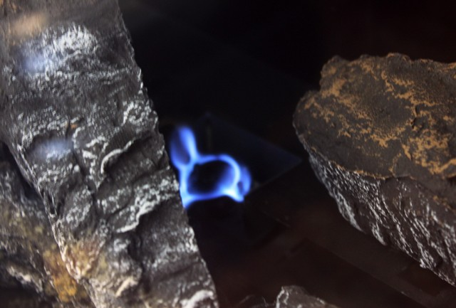 What Does The Pilot Light Look Like On A Gas Fireplace