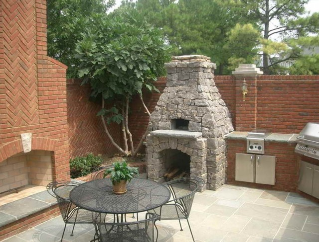 Small Outdoor Fireplace Designs