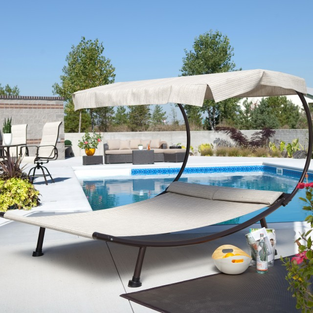 Outdoor Double Chaise Lounge Bed