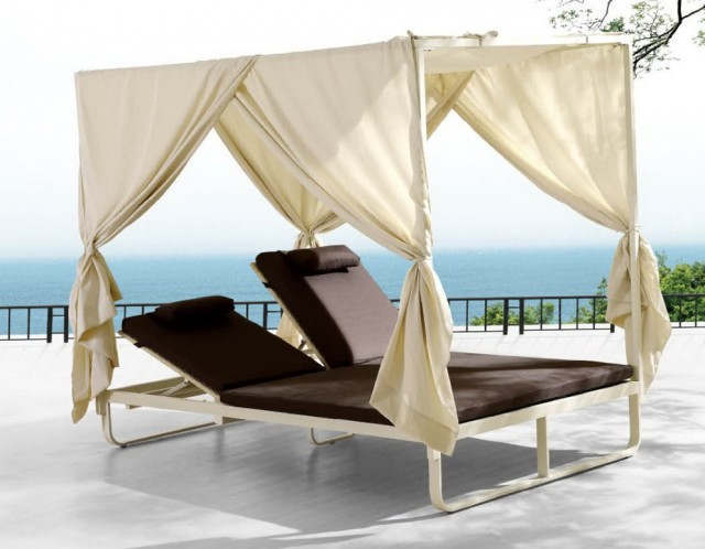 Outdoor Double Chaise With Canopy
