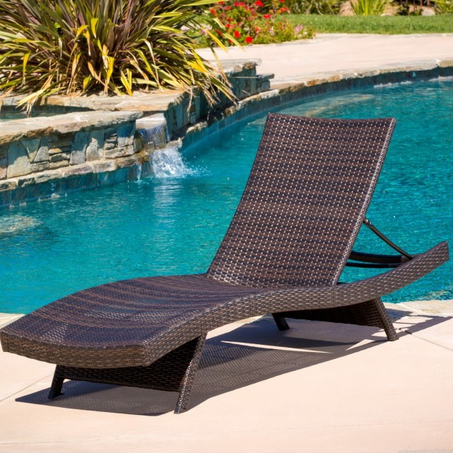 Wicker Chaise Lounge Outdoor Furniture