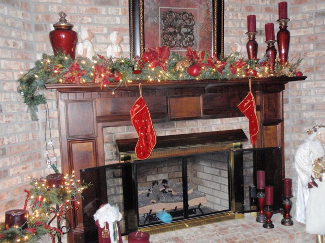 Fireplace Christmas Decorations Pinterest