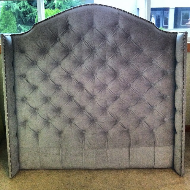 Full Size Velvet Tufted Headboard