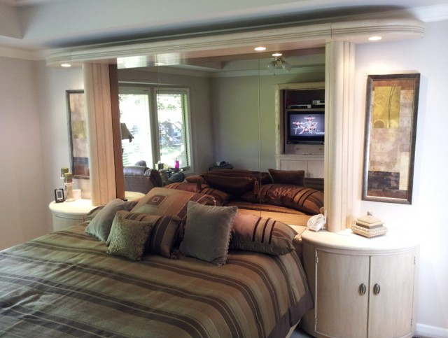 Headboard With Mirror And Lights