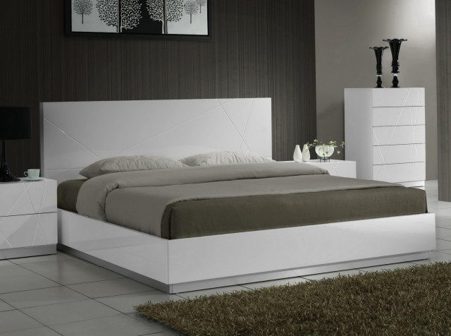 Laguna Queen Platform Bed With Headboard Lacquered Espresso