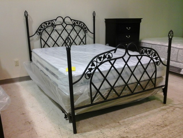 Queen Iron Headboard And Footboard