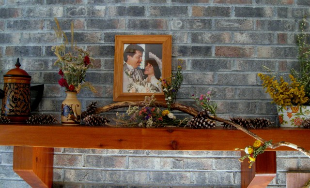 Rustic Fireplace Mantel Decorating Ideas