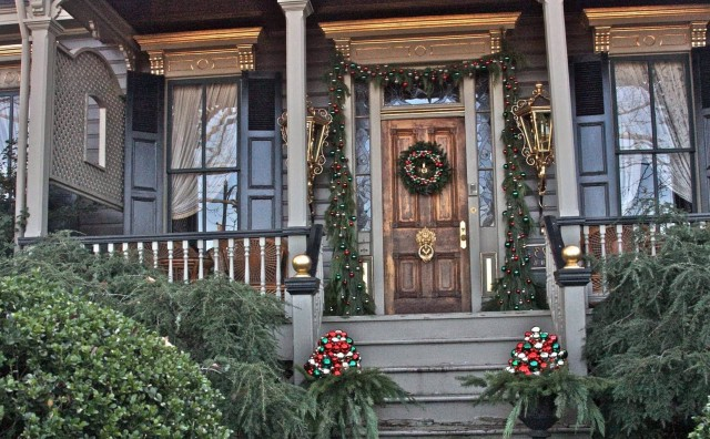 Elegant Front Porch Christmas Decorations