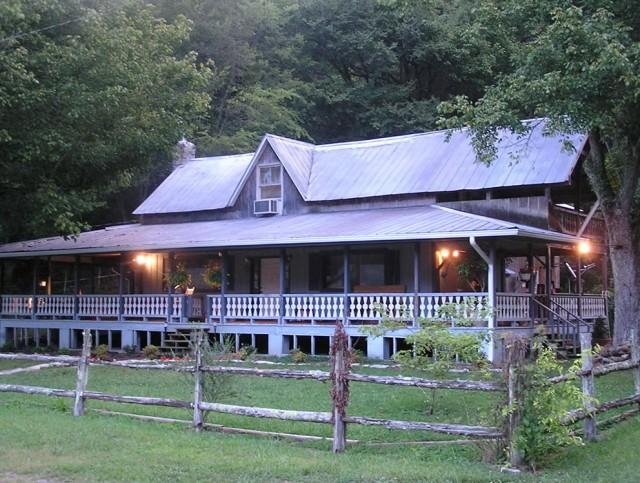 Farm Houses With Wrap Around Porches