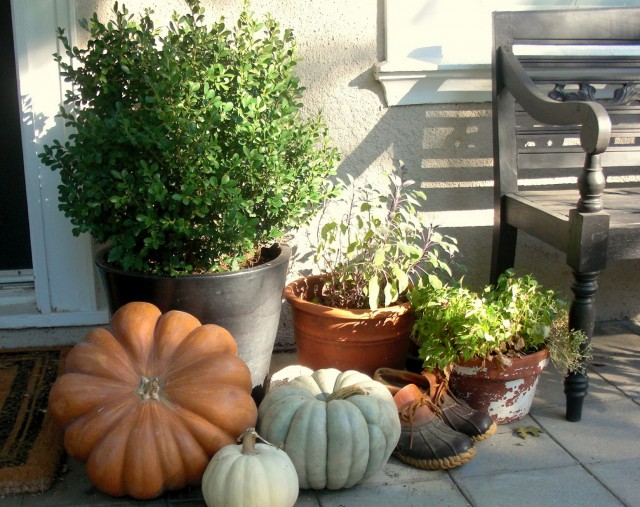 Front Porch Decorating With Pumpkins
