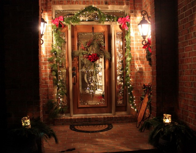 Outdoor Christmas Porch Decorations