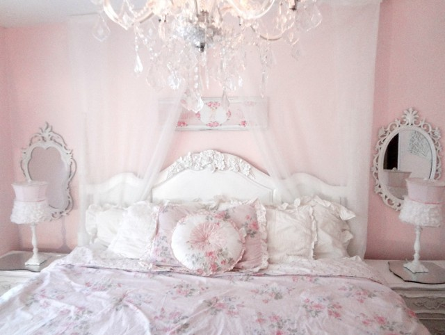 Shabby Chic Headboard Ideas