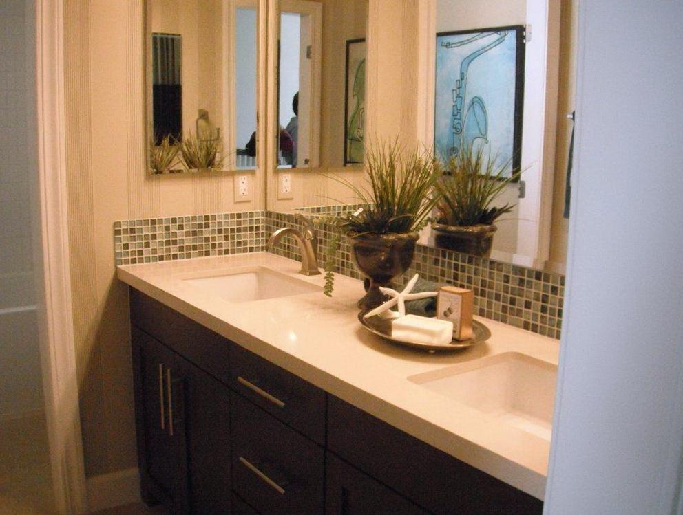 Double Sink Bathroom Vanity Decorating Ideas