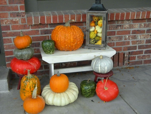 Fall Porch Decorating With Pumpkins