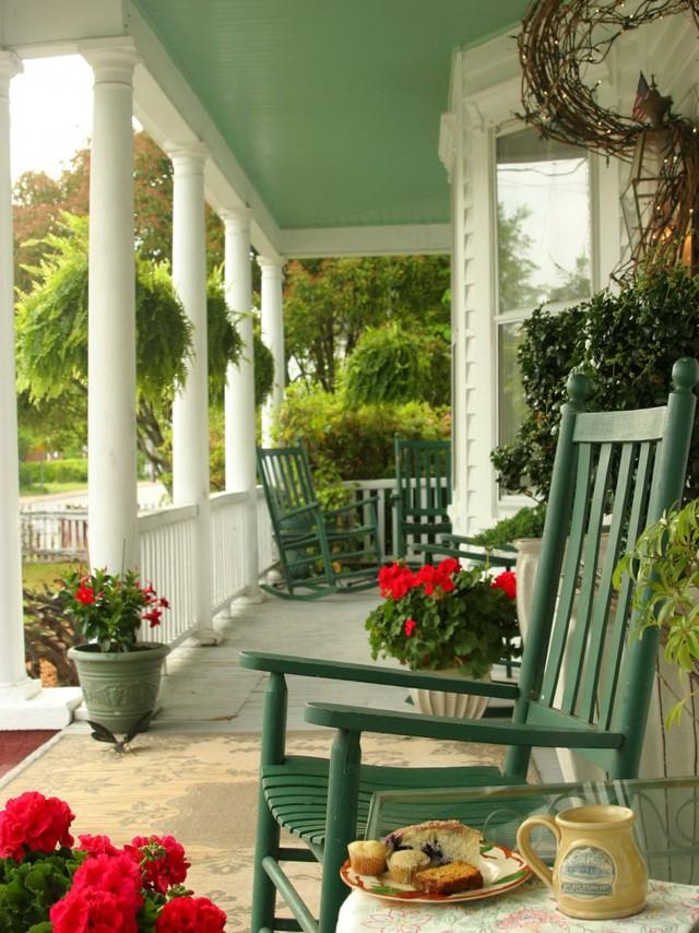 Four Season Porch Decorating Ideas