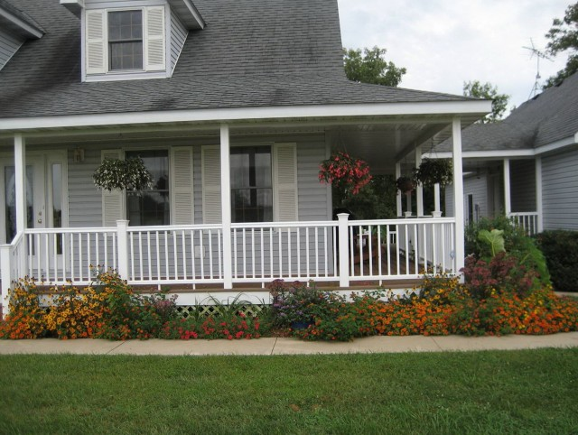 Front Porch Landscaping Designs
