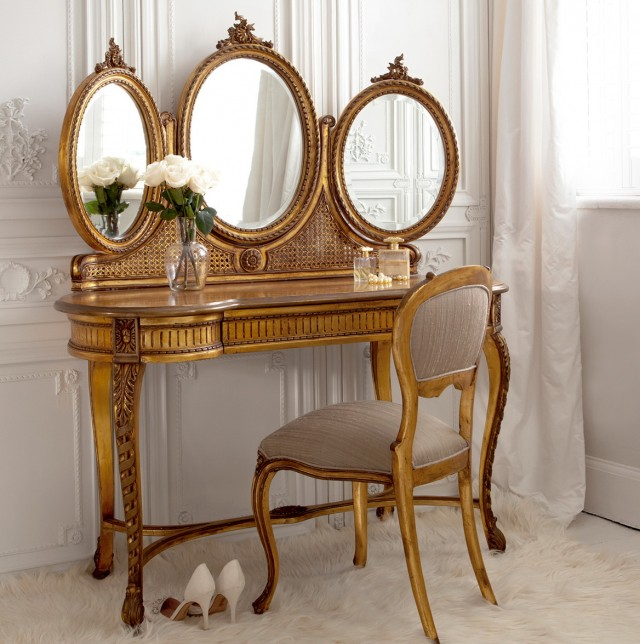 Gold Mirrored Vanity Table