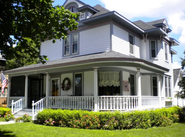 Houses With Porches For Sale