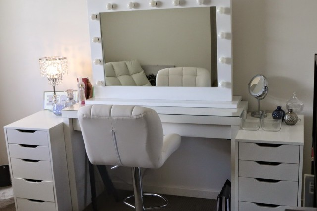 Ikea Makeup Vanity With Lights