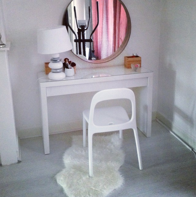 Ikea Vanity Table With Lights