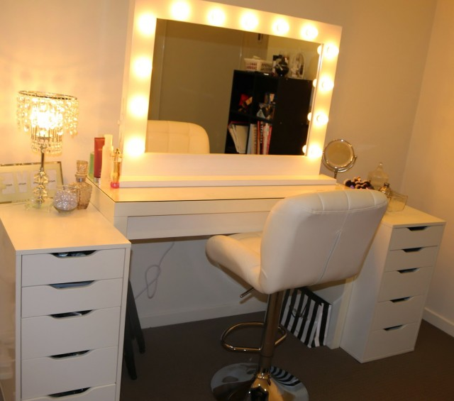 Makeup Vanity Mirror With Lights For Sale