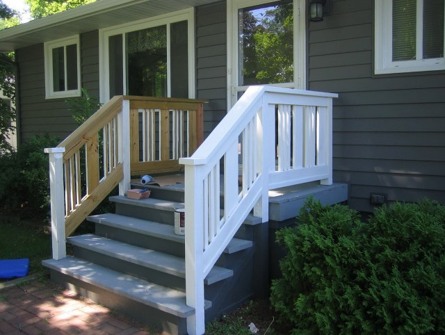 Pictures Of Front Porches With Railings
